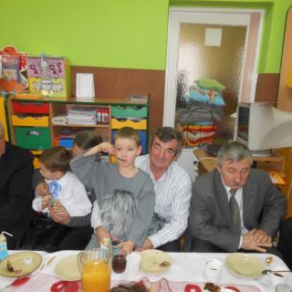 Dzień Babci i Dziadka w starszakach 2014r - zdjęcie 31