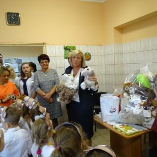 """Akcja charytatywna """"Misie dla chorych dzieci""""2019r. - zdjęcie 8"""